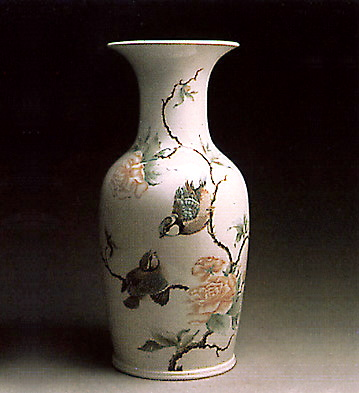 Pekin Vase (birds And Flo Lladro Figurine