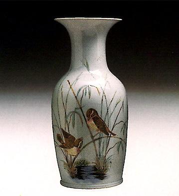Pekin Vase (birds) Lladro Figurine