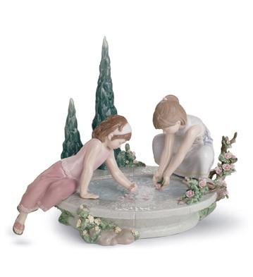Petals In The Pond Lladro Figurine