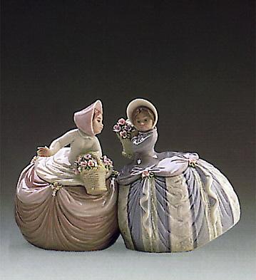 Petite Pair Lladro Figurine