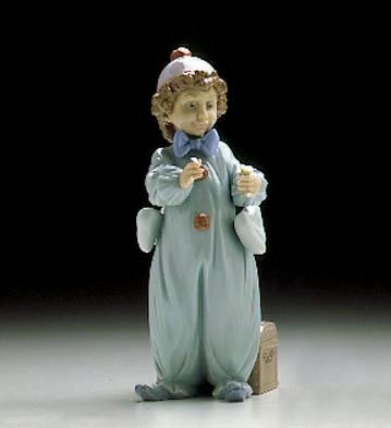 Pierrot Rehearsing Lladro Figurine