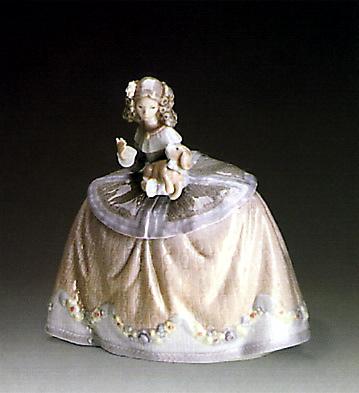 Pilar Lladro Figurine