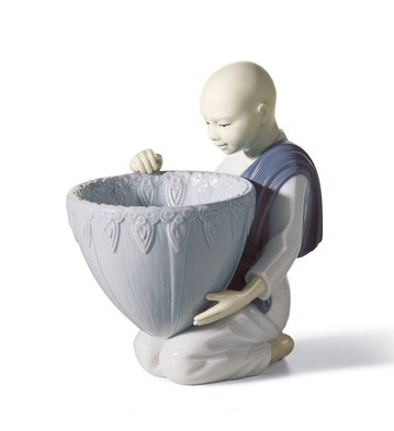 Potpourri Offer (blue) Lladro Figurine