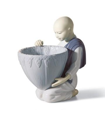 Potpourri Offer (blue) Lladro Figurine