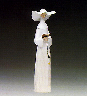 Prayerful Moment(ivory) Lladro Figurine
