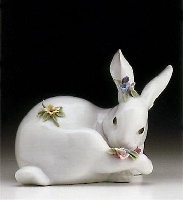 Preening Bunny W/flowers Lladro Figurine