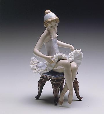 Pretty Ballerina Lladro Figurine