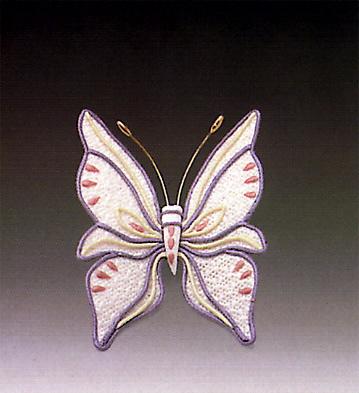 Pretty Butterfly N.10 Lladro Figurine