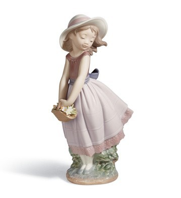 Pretty Innocence Lladro Figurine