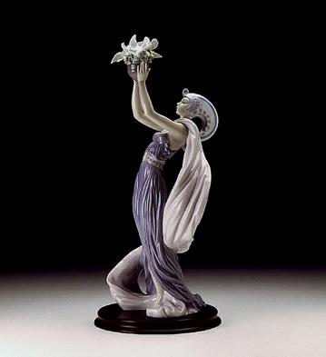 Princess Of Peace Lladro Figurine