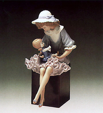 Putting Doll To Sleep (b) Lladro Figurine