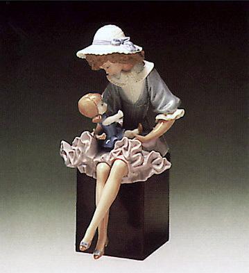 Putting Doll To Sleep (b) Lladro Figurine