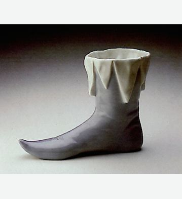 Renaissance Boot Lladro Figurine