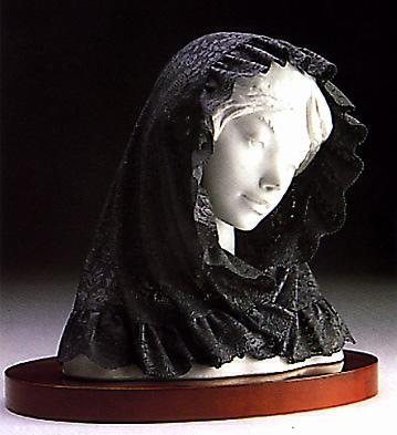 Romantic Lady W/black Vei Lladro Figurine