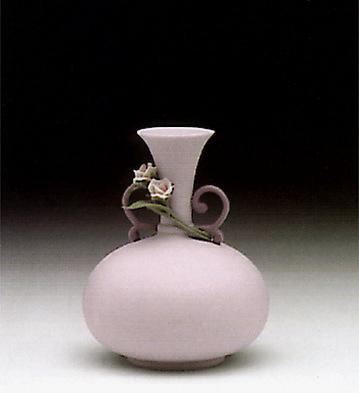 Round Violet Jug Lladro Figurine