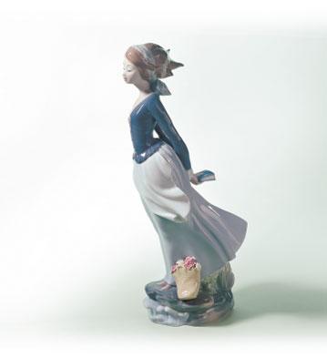 Sea-breeze Lladro Figurine