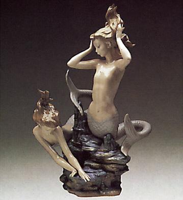Seamaids Playing Lladro Figurine