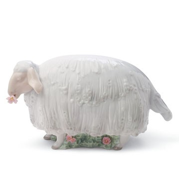 Sheep In The Meadow Lladro Figurine