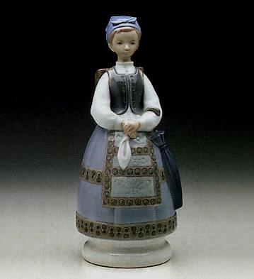 Shepherdess W7 Traditional Dress Lladro Figurine