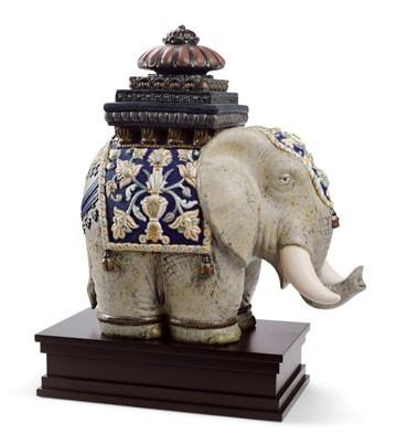 Siamese Elephant Lladro Figurine