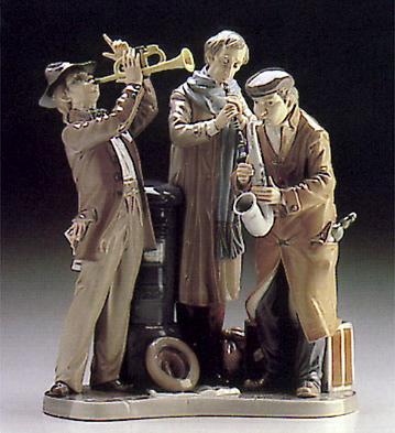 Sidewalk Serenade Lladro Figurine