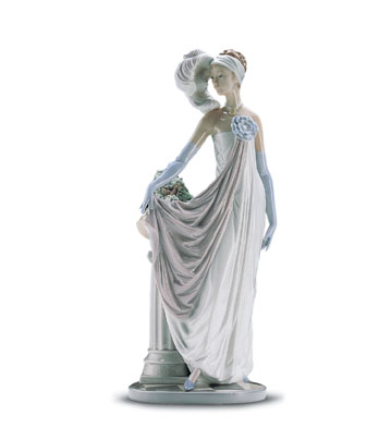 Socialite Of The 20's Lladro Figurine