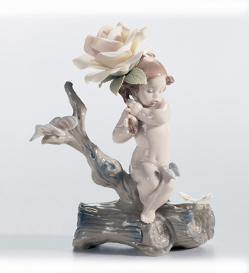 Somewhere In The Garden... Lladro Figurine