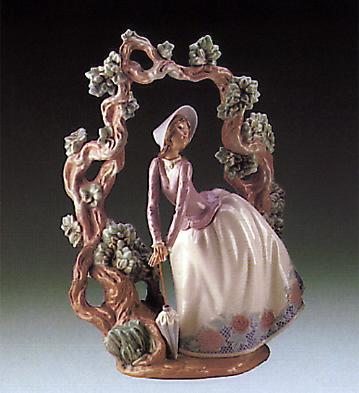 Standing Under Trellig Lladro Figurine