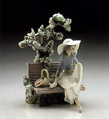 Sunday In The Park Lladro Figurine