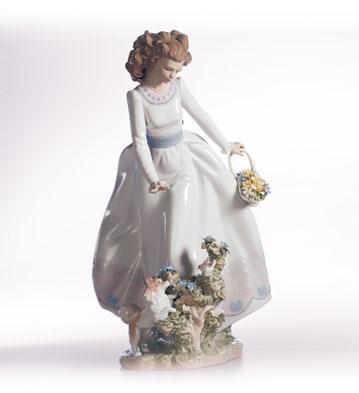 Sunday Stroll Lladro Figurine