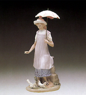 Susan And The Doves Lladro Figurine