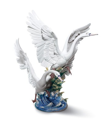 Swans Take Flight Lladro Figurine