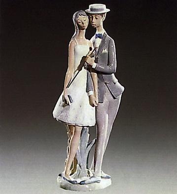 Sweethearts Lladro Figurine