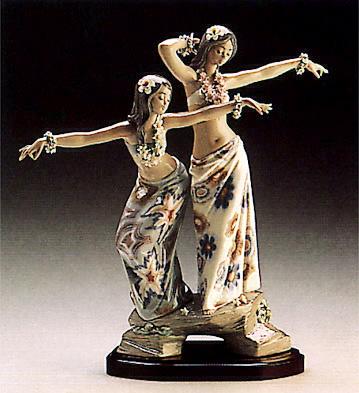 Tahitian Dancing Girls(b) Lladro Figurine