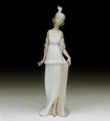 Talk Of The Town Lladro Figurine