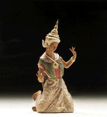 Thai Girl Kneeling Lladro Figurine