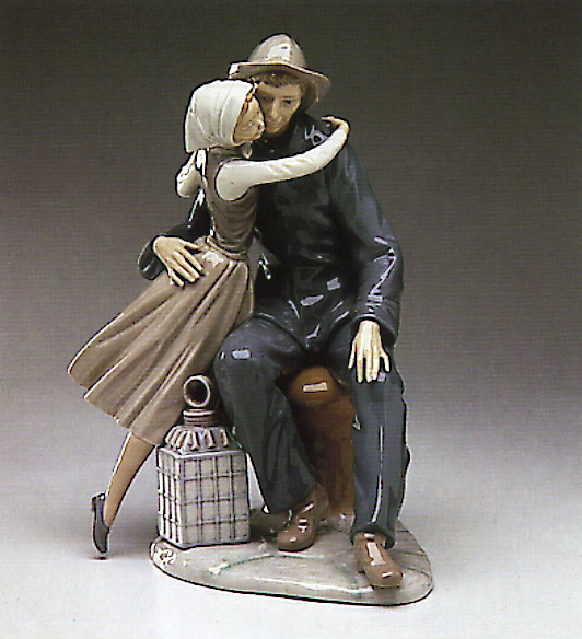 The Kiss Lladro Figurine
