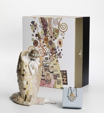 The Kiss Gift Set Lladro Figurine