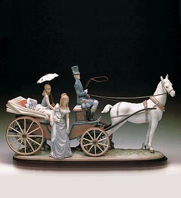 The Landau Carriage (b) Lladro Figurine