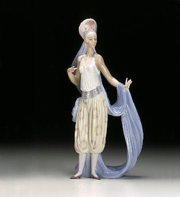 Thena Lladro Figurine