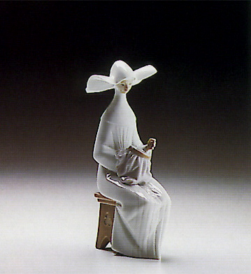 Time To Sew(ivory) Lladro Figurine