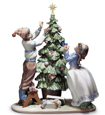 Trimming The Tree Lladro Figurine