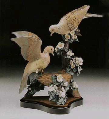 Turtle-dove Nest Lladro Figurine