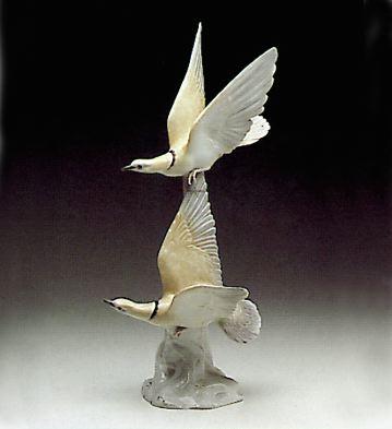 Turtle Doves Lladro Figurine