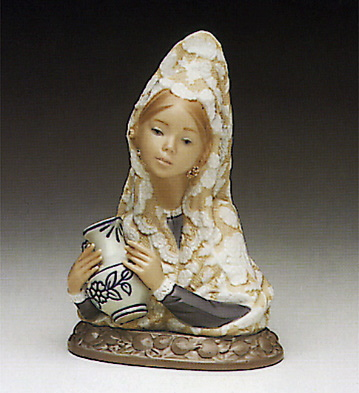 Valencian Beauty Lladro Figurine