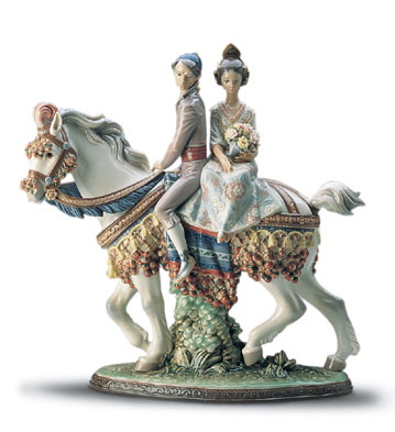 Valencian Couple On Horse Lladro Figurine