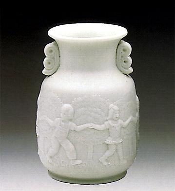 Vase-decorated Lladro Figurine