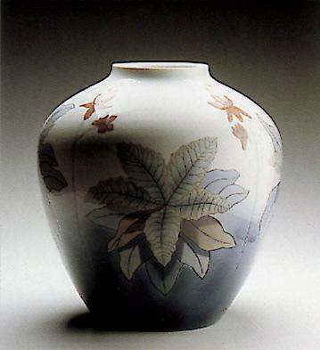 Vase Fantasy Lladro Figurine