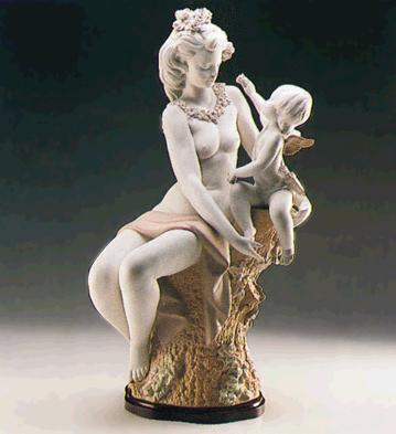 Venus And Cupid (l.e.) (b Lladro Figurine
