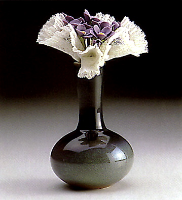 Violet Vase Lladro Figurine